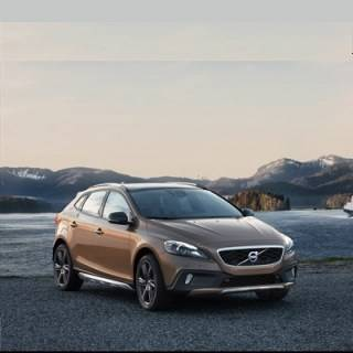 Volvo V40 Cross Country ab 32'650 Franken