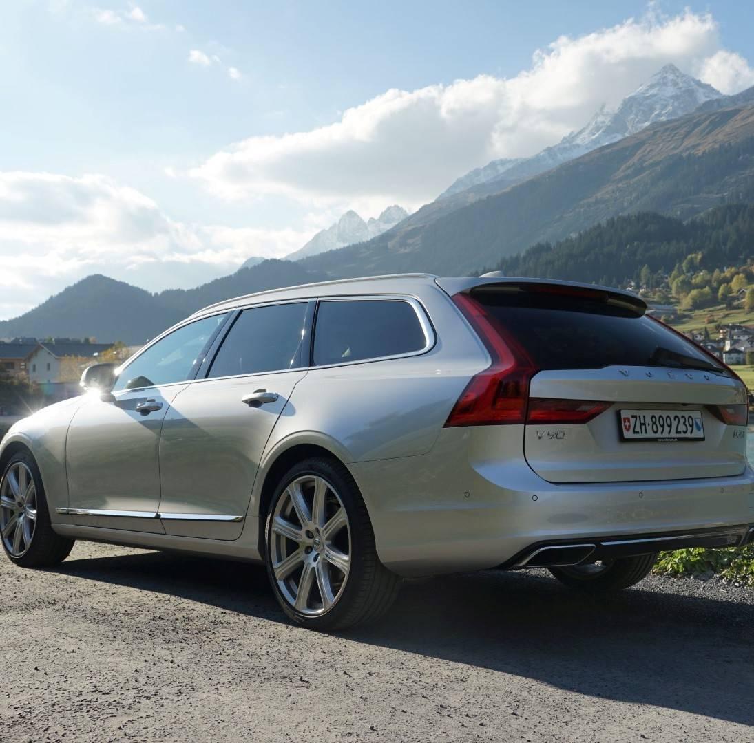 Mit dem Volvo V90 in die Berge: Spiel, Sport und Spass in Brigels
