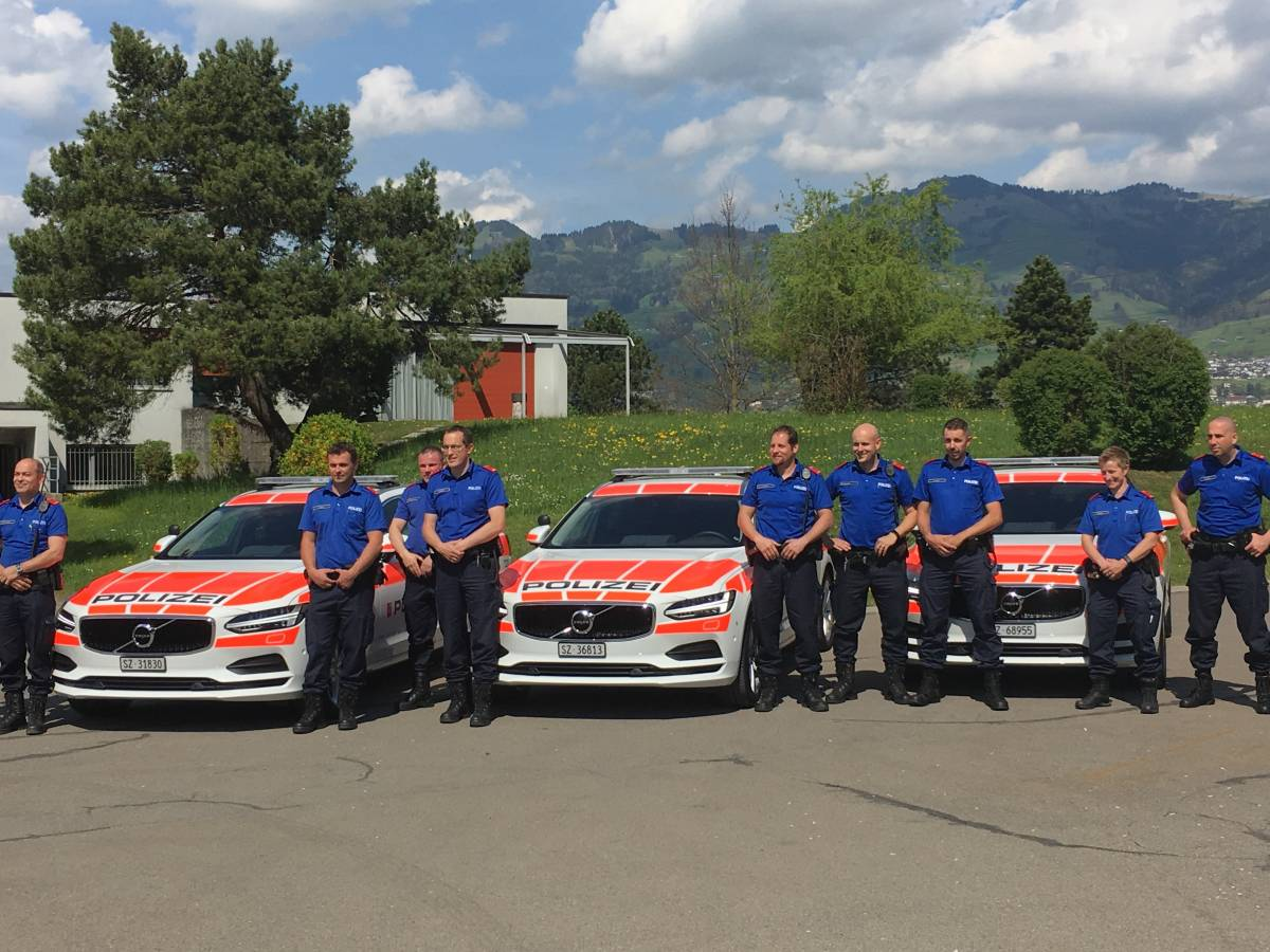 Drei neue Volvo V90 für die Kantonspolizei Schwyz