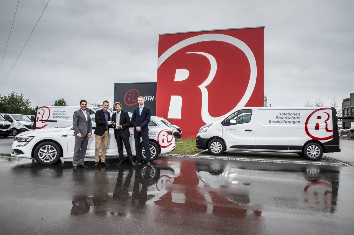 Renault liefert erste Tranche von über 200 Fahrzeugen an die Roth Gruppe
