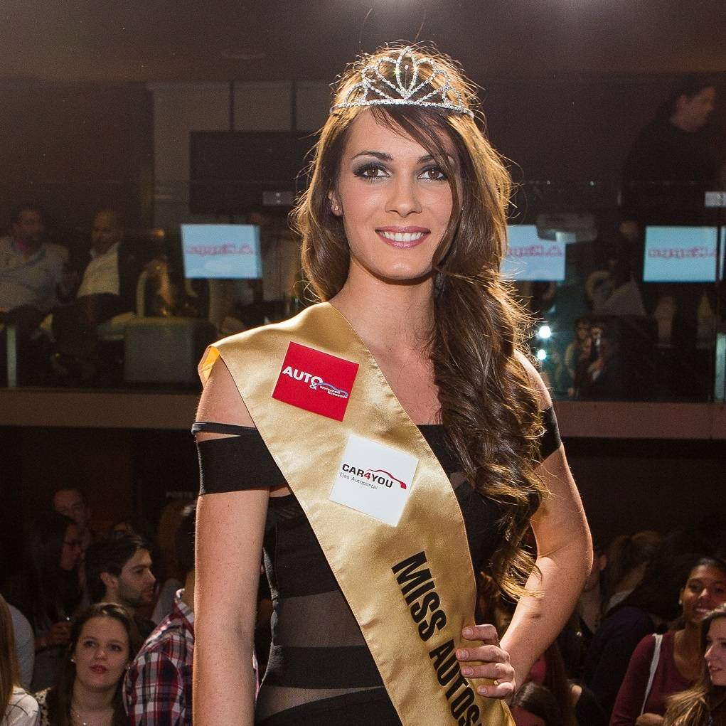 Julia Bordonado ist Miss Auto-Salon 2015